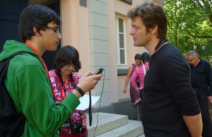http://blog2011.moers-festival.de/fatih%20fabienne%2C%20georg.JPG